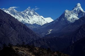 Nepal_Mount_Everest_And_Ama_dablam